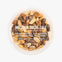 Sweet and savoury mix from Tonton Pitou - dried figs, peanuts, cashews, pistachio nuts Les Niçois