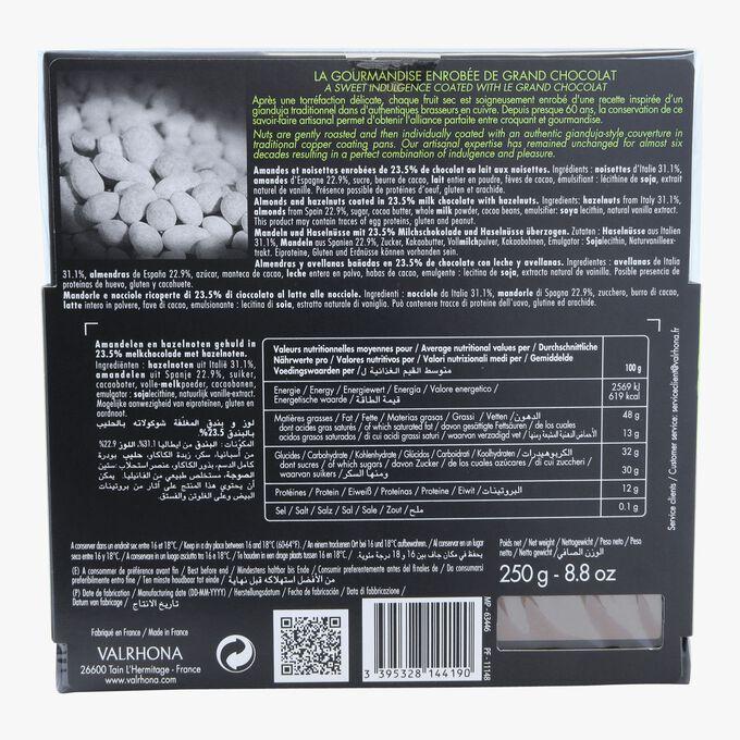 Coffret Equinoxe, amandes et noisettes enrobées de 23,5% de chocolat au lait aux noisettes Valrhona