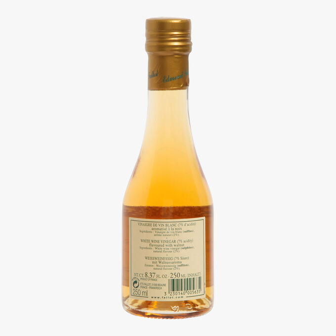 White wine vinegar, 7 % acidity, flavoured with walnuts Fallot