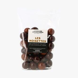 Les noisettes au chocolat au lait et au chocolat noir La Grande Épicerie de Paris