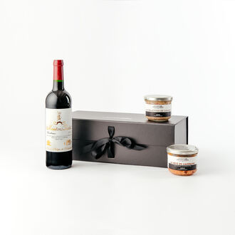 Aperitif among friends gift box null