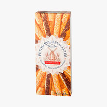 Small puff pastry fingers with aged Dutch Gouda Albert Ménès