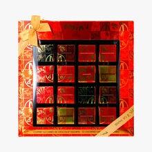 Coffret 32 carrés de chocolat assortis Maxim's