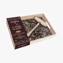 Bar to break - Crispy dark chocolate with currants, almonds, caramelised pecan nuts and meringue Chocolaterie Monbana