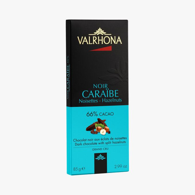 Caraïbe bar, dark chocolate (66 % minimum cocoa, pure cocoa butter) with hazelnut chips. Valrhona
