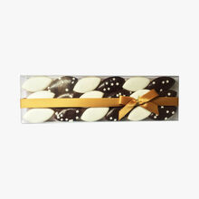 Box of calissons, plain and chocolate sprinkled with white stars Maffren