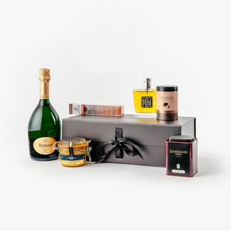 The elegant gift box null