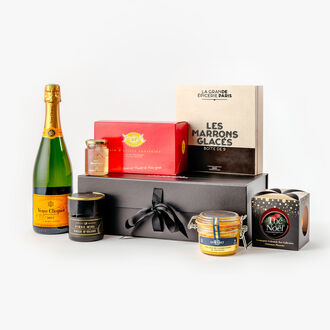 Chic Christmas gift box null