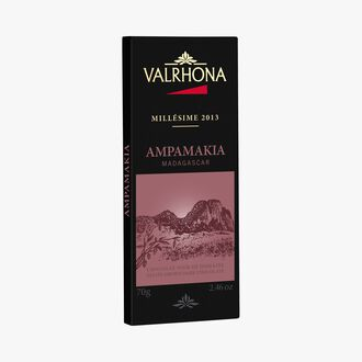 Ampamakia bar, estate dark chocolate (64 % minimum cocoa, pure cocoa butter) Valrhona