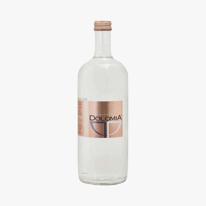 Sparkling natural mineral water Dolomia